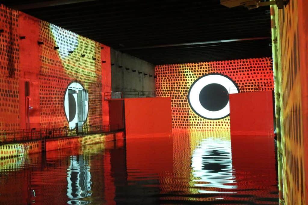 Paul Klee rouge, bassins des lumière